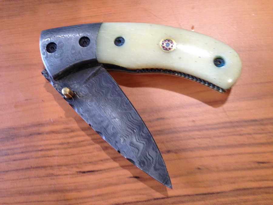 243 Damascus Pocket knife