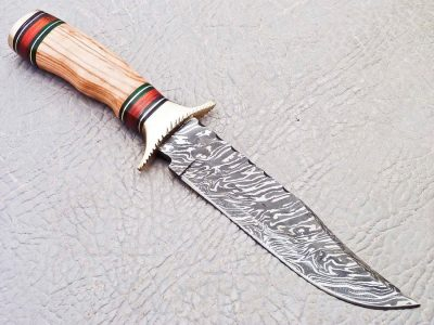 Damascus Knife with Olive Wood Handle