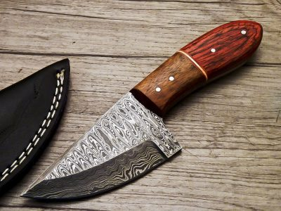 Damascus Skinning Knife with hardwood wood Handle