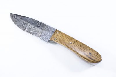 This Luxuriously Anderobia Wood Handle with Damascus Blade